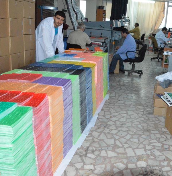 plastik bileklik üretimi